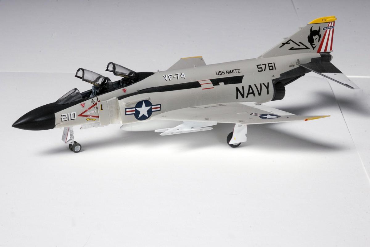 1/72 F-4J